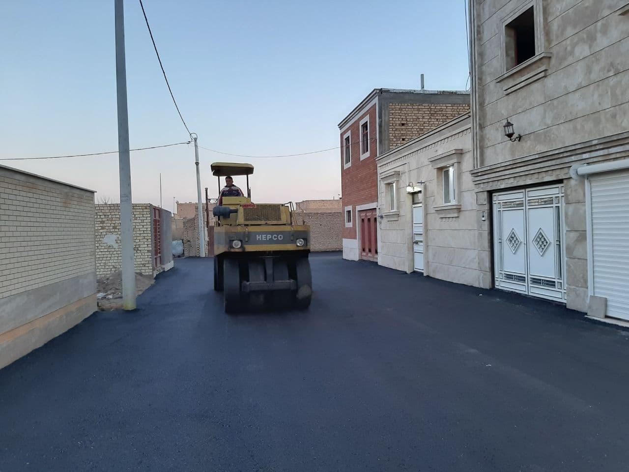 اجرای عملیات عمرانی آسفالت معابر و خیابانهای سطح شهر